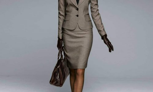 two-piece-suits-for-women-8-business-woman